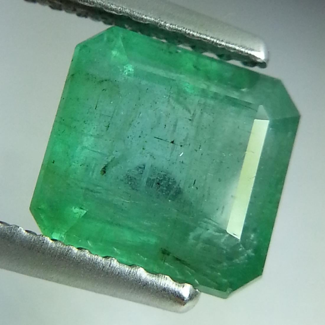 Emerald - 2.31 ct - 2