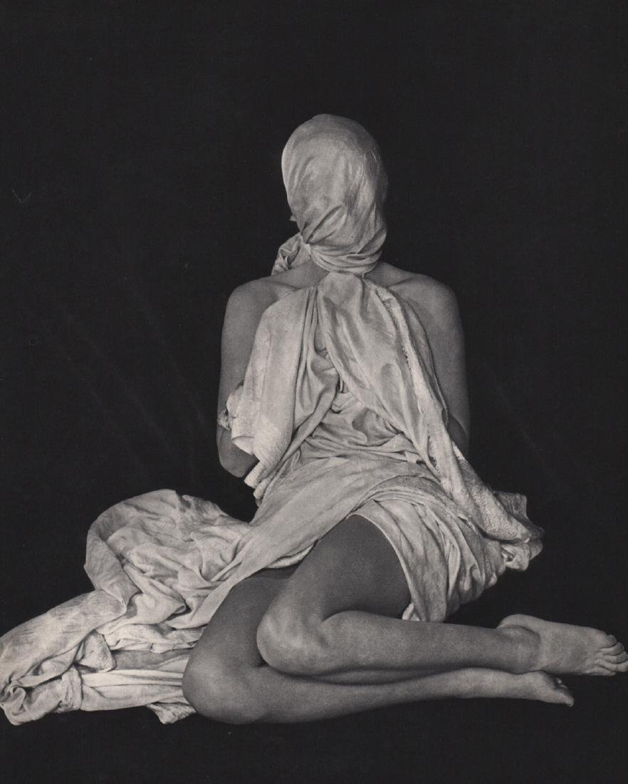ERWIN BLUMENFELD - Model Wrapped Up
