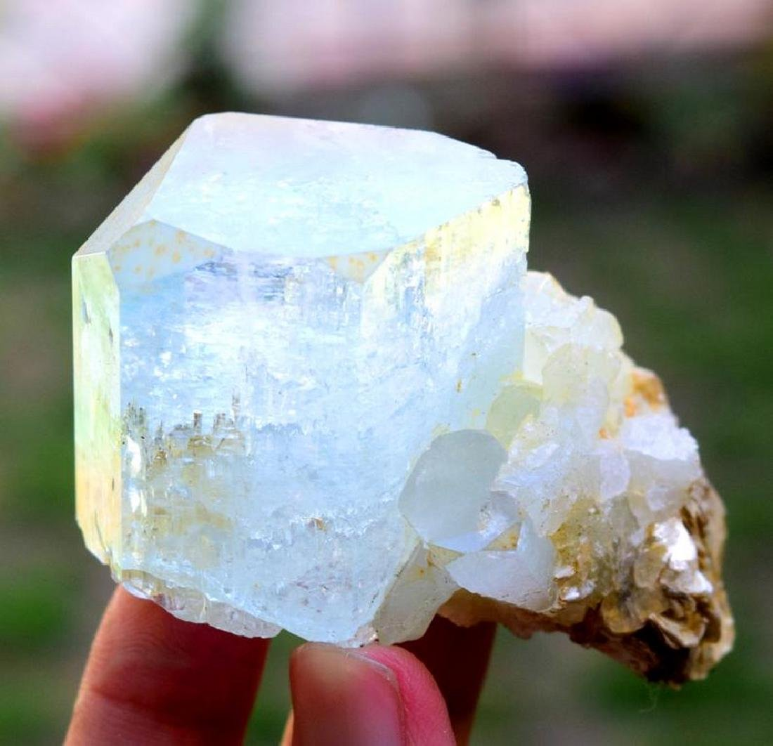 88 gram terminated and undamaged aquamarine crystal - 4