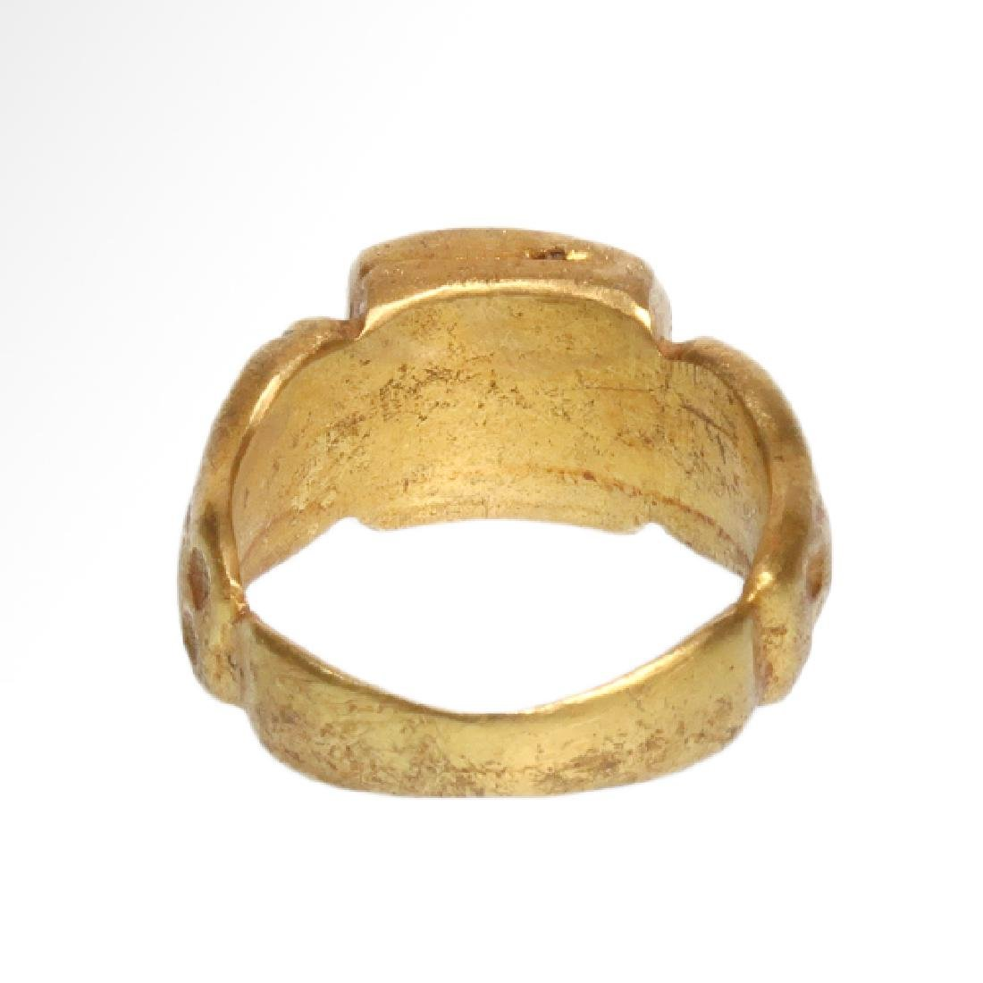 Roman Gold Ring with Banded Agate Ring-stone, 2nd - 5