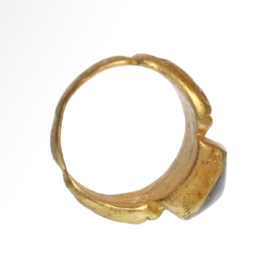 Roman Gold Ring with Banded Agate Ring-stone, 2nd - 6