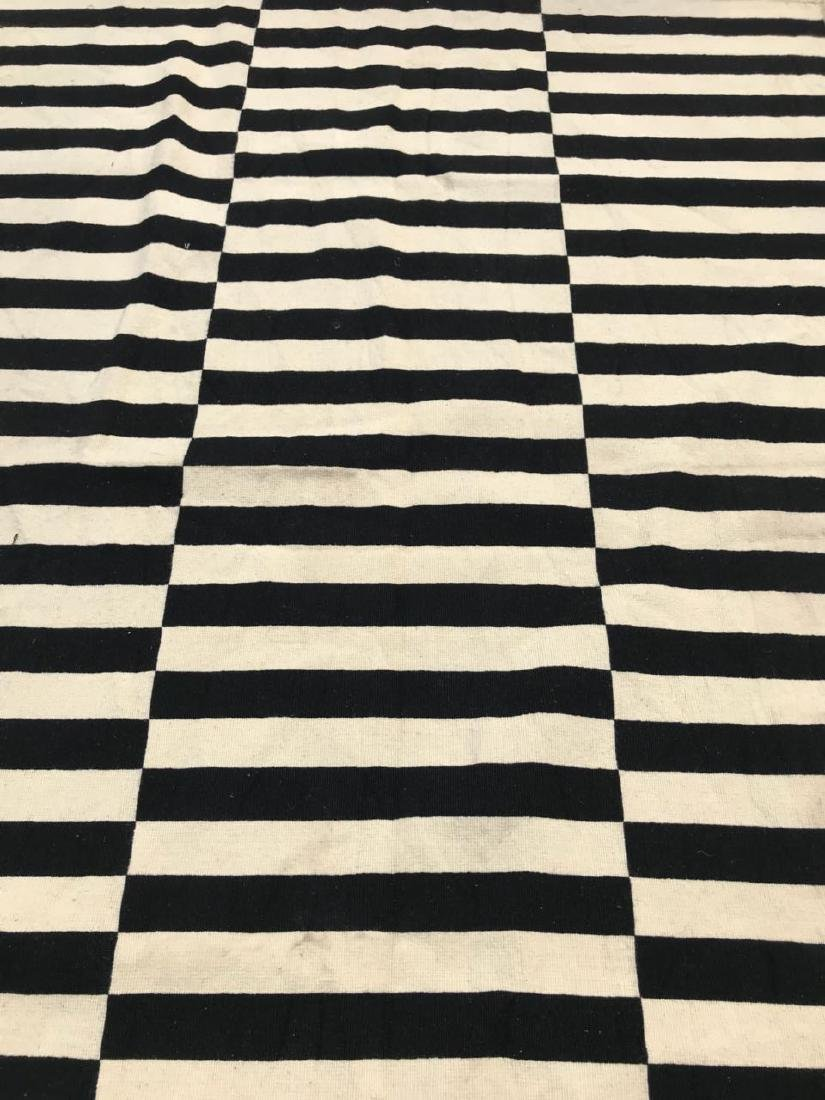 Black & White/Off White Stripped Kilim Rug Rug 7.7x5.5 - 2