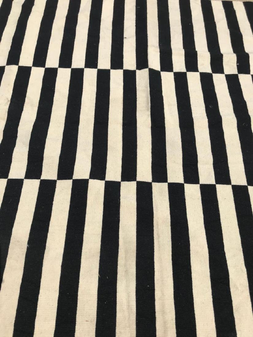 Black & White/Off White Stripped Kilim Rug Rug 7.7x5.5 - 4