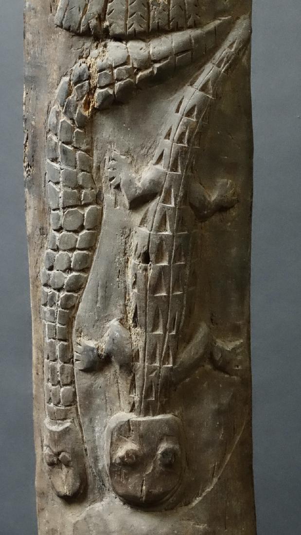 Carved Out Sacred House Food Hook Figure Sepik - 7
