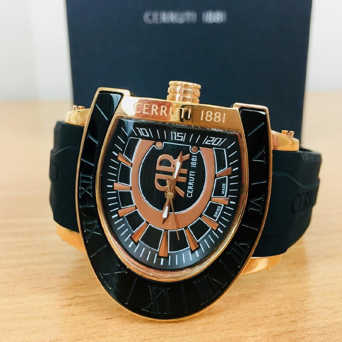 Cerruti 1881 – Men's Swiss Made Gold Plated Luxurious