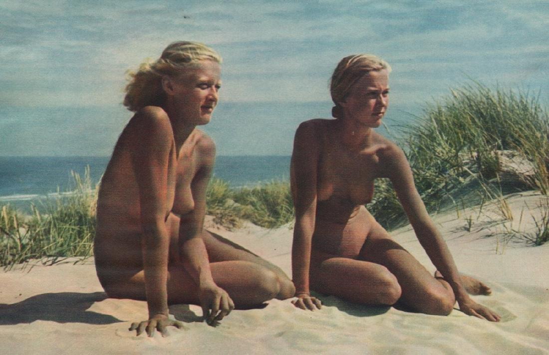 KURT REICHERT - Nudes on the Beach
