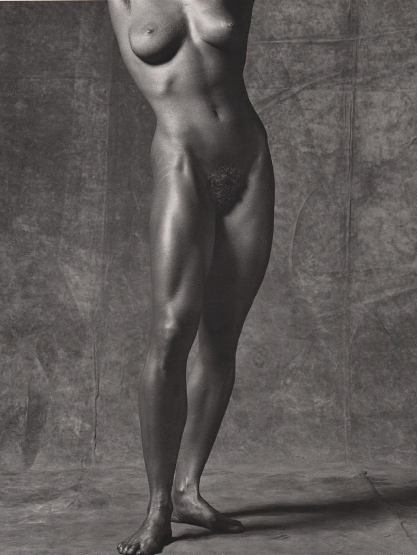 ROBERT MAPPLETHORPE - Lisa Lyon, 1981