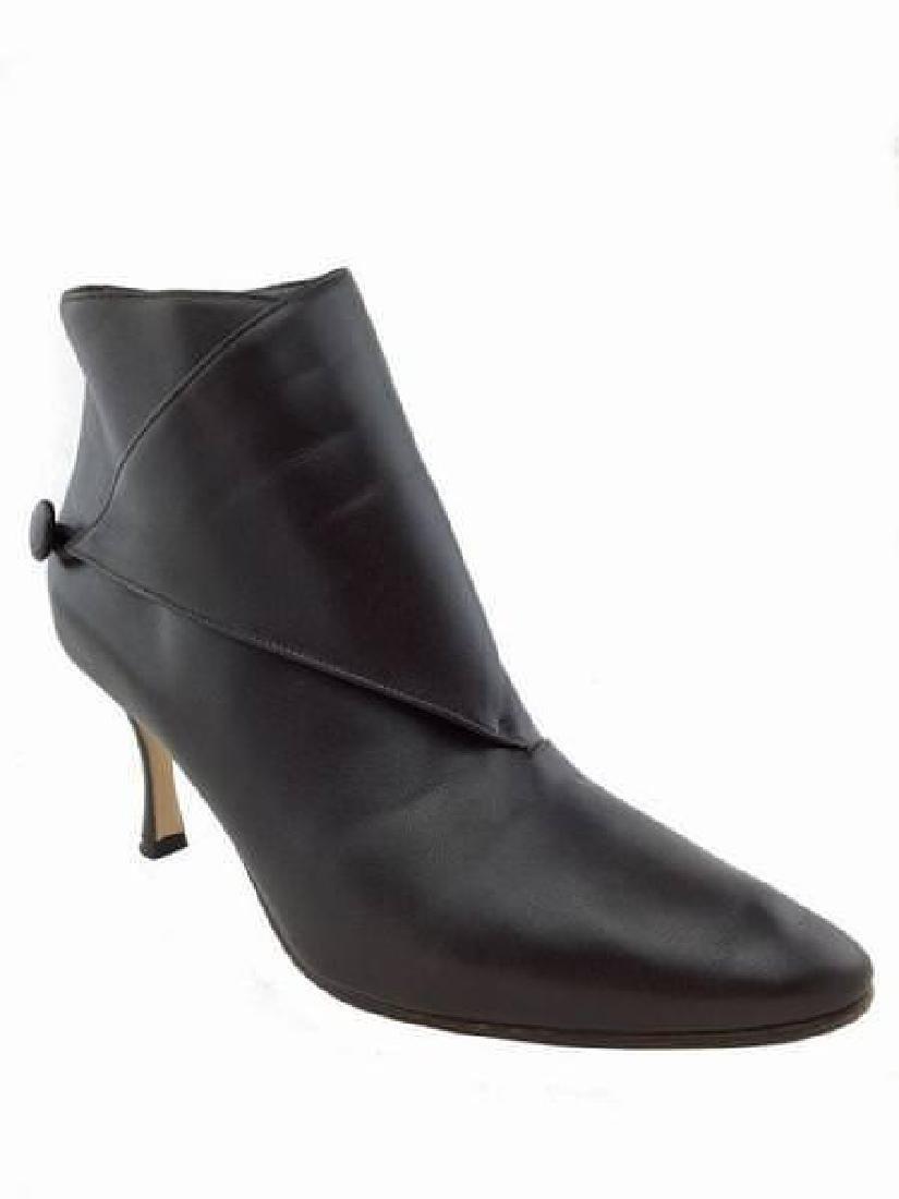 Manolo Blahnik Diaz Leather Ankle Booties Size 8.5
