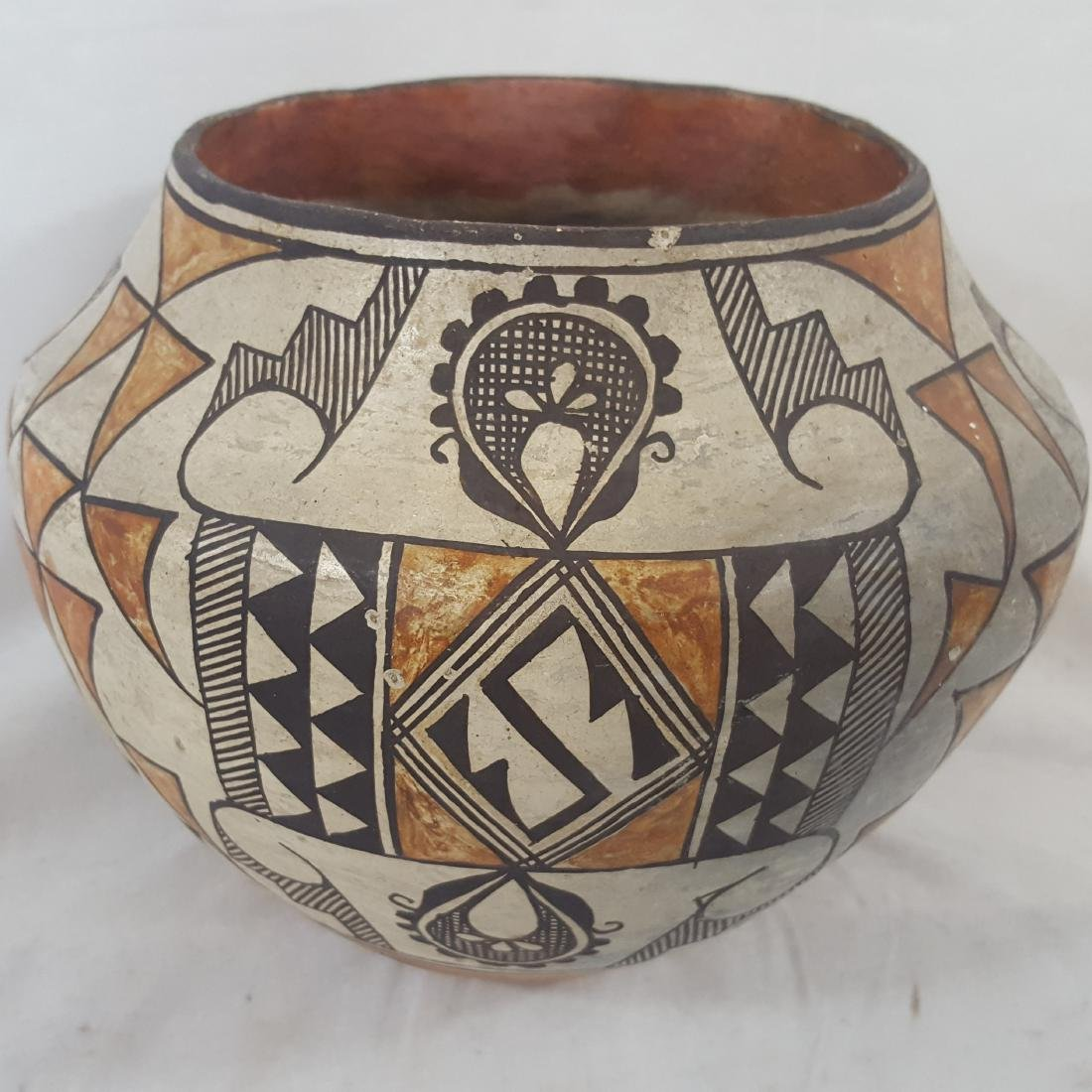 Acoma Pueblo Coiled and Decorated Large Jar Ca 1920's - 3