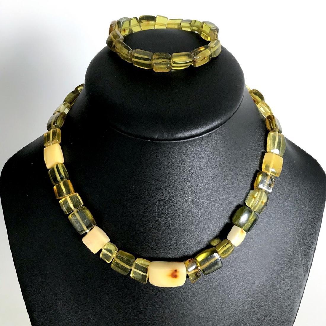 Vintage Necklace & bracelet set green amber with