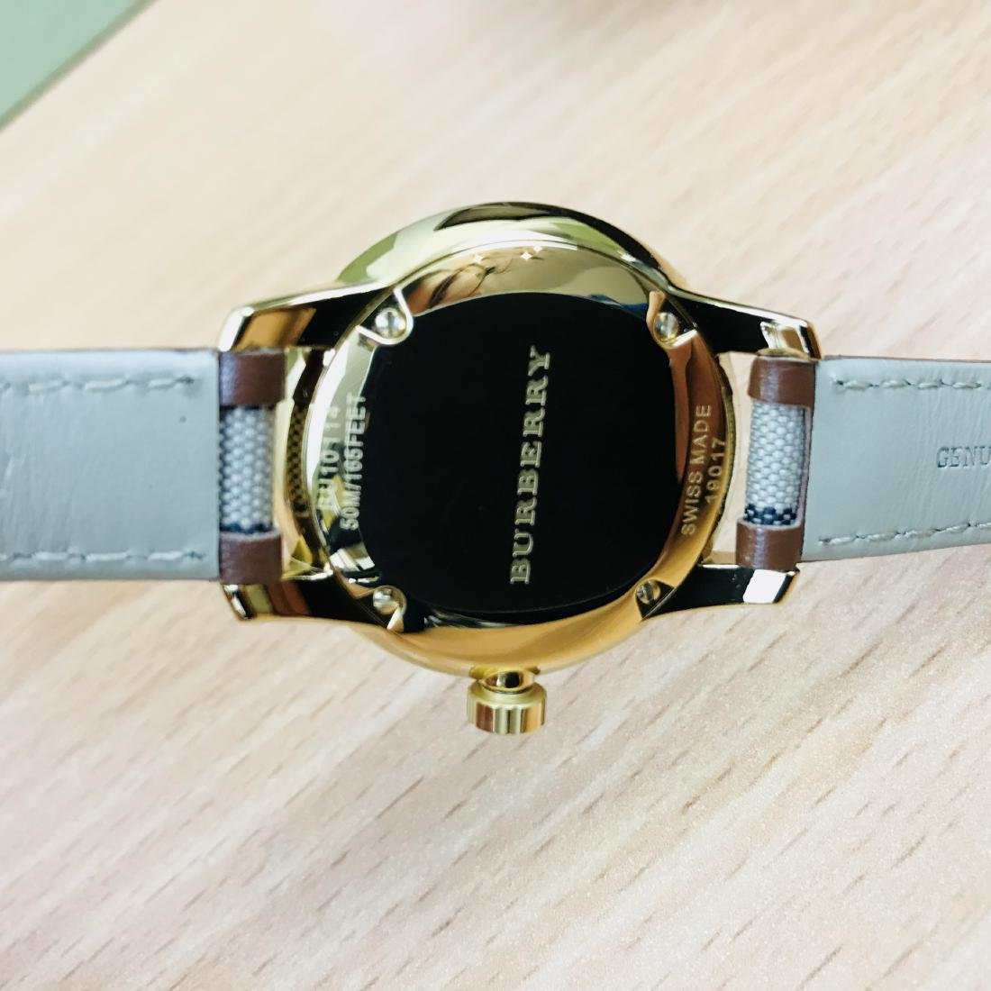 Burberry Swiss Made Gold Plated Classic Round Ladies - 10