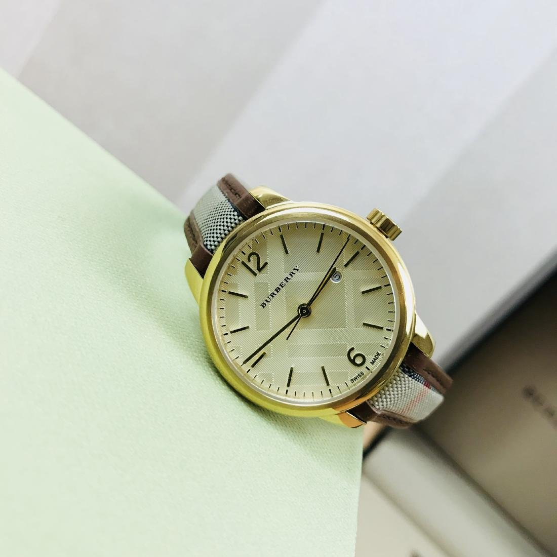 Burberry Swiss Made Gold Plated Classic Round Ladies - 4
