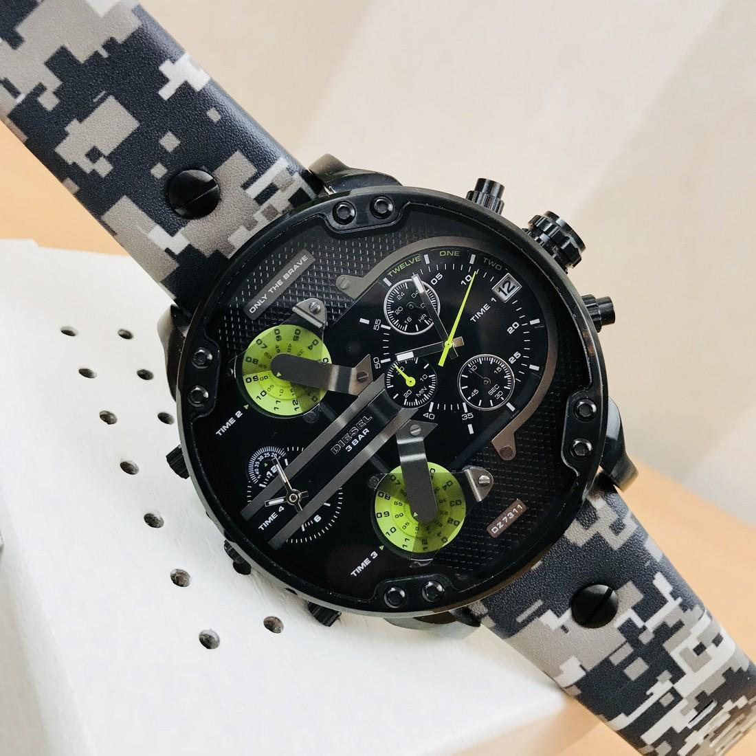 Diesel – Mr. Daddy 2.0 Big Camo Watch