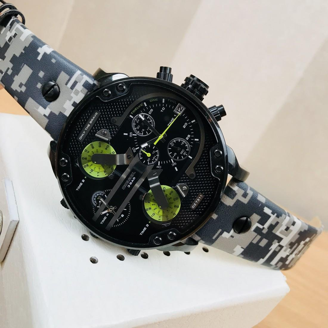 Diesel – Mr. Daddy 2.0 Big Camo Watch - 5
