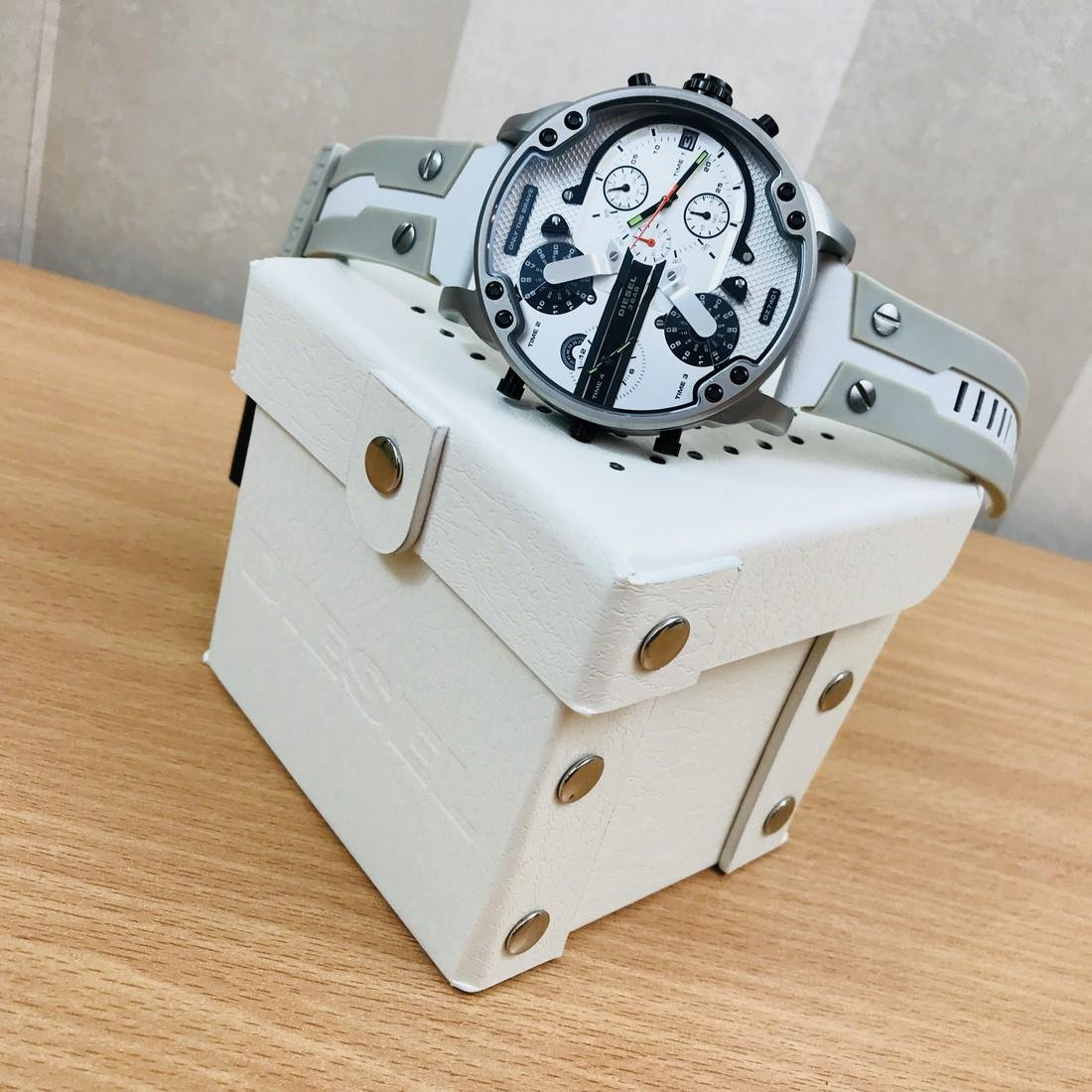 Diesel – Mr. Daddy 2.0 Big White Watch - 2