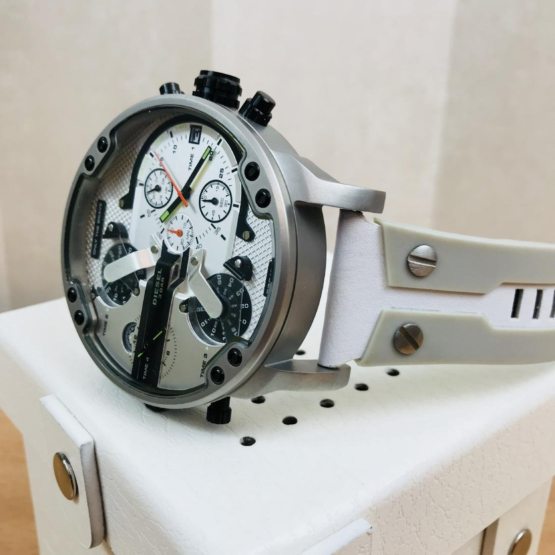 Diesel – Mr. Daddy 2.0 Big White Watch - 5