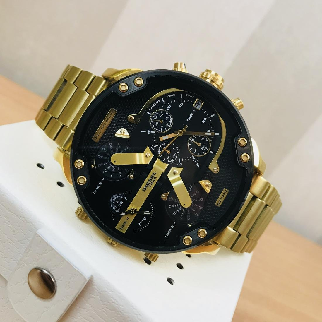 Diesel – Mr. Daddy 2.0 Big Gold Plated Watch