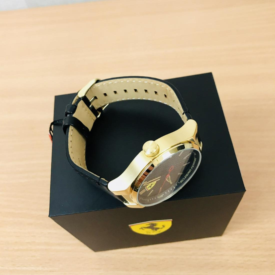 Scuderia Ferrari – SPECIALE Men's Gold Plated Watch - 9