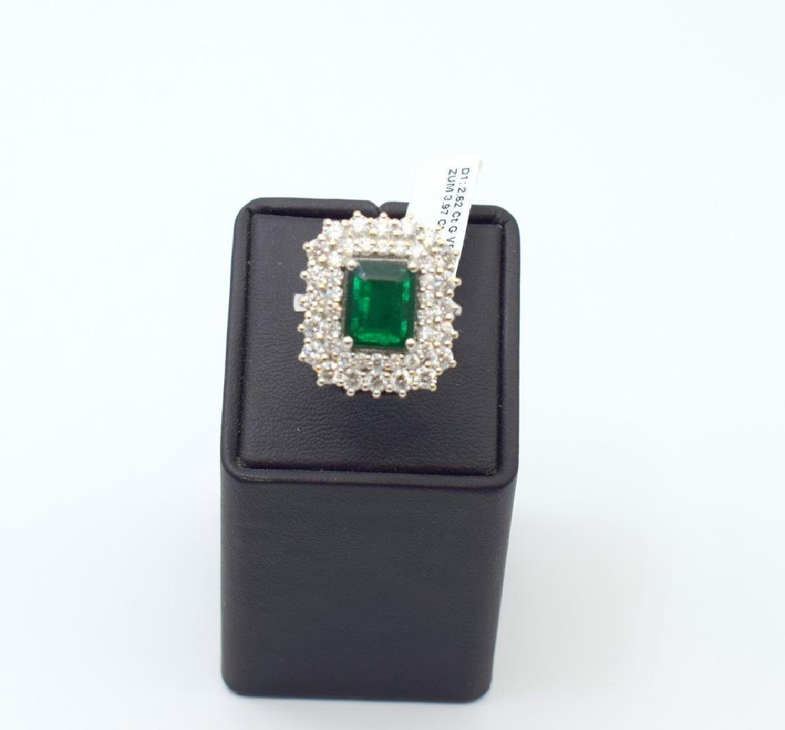 18 carat white gold ring with diamond and emerald stone - 10