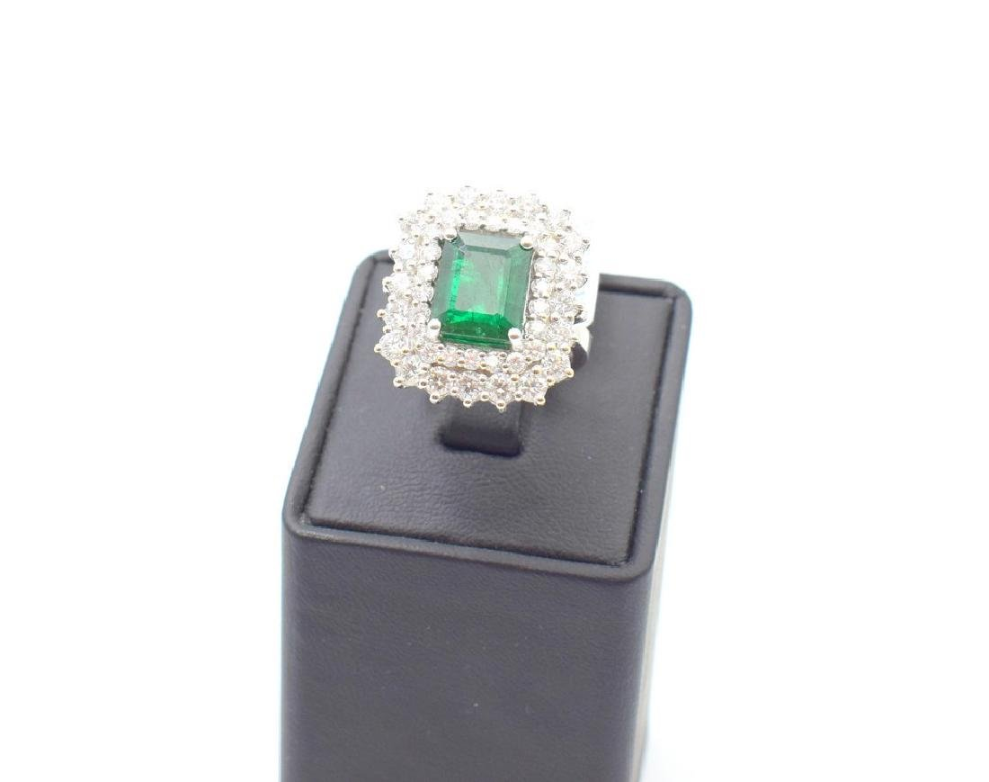 18 carat white gold ring with diamond and emerald stone - 4
