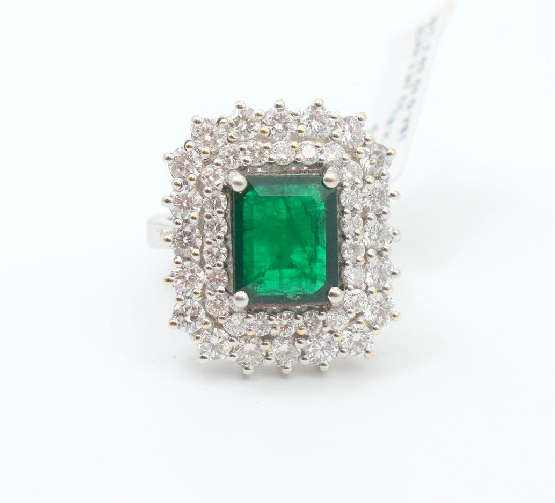 18 carat white gold ring with diamond and emerald stone - 8
