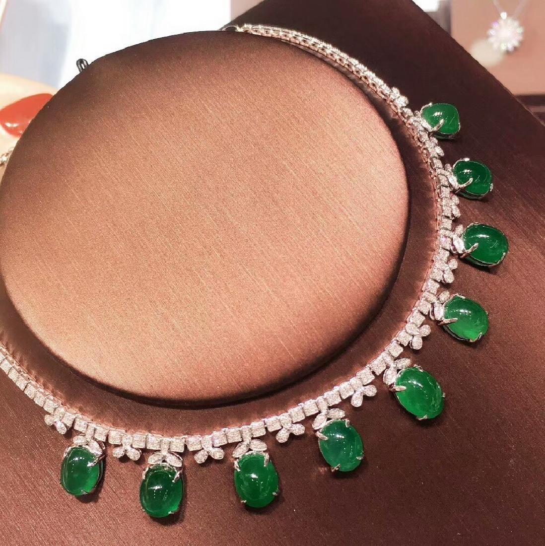 29.5ct Emerald Necklace in 18kt White Gold - 2