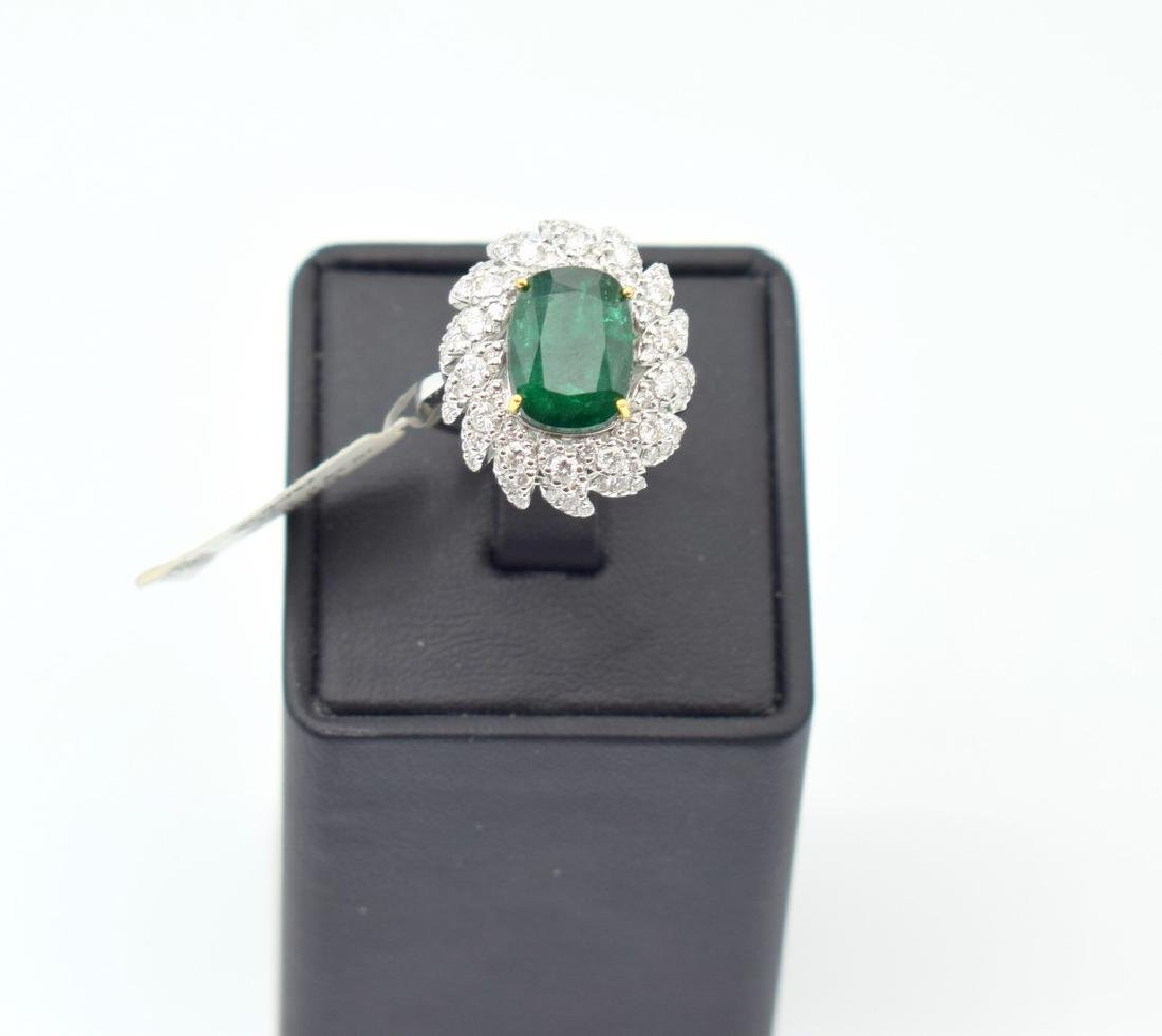 18 carat white gold ring with diamond and emerald stone - 6