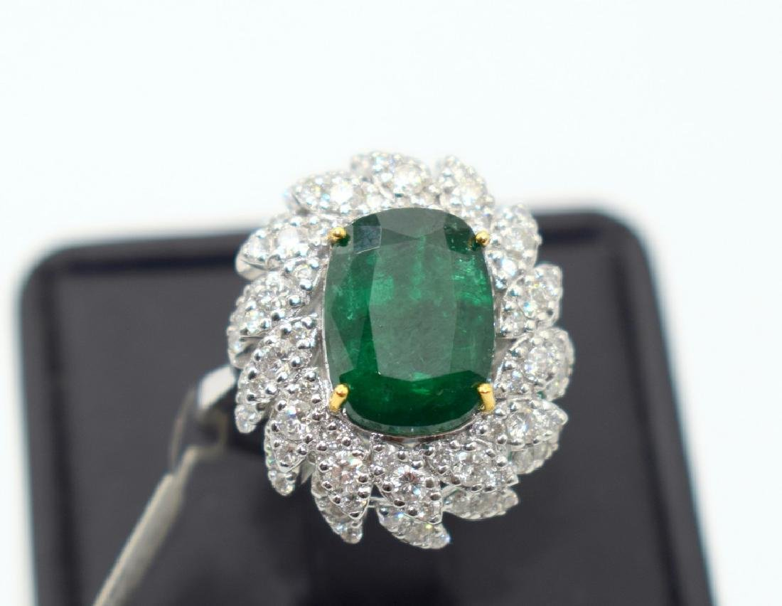 18 carat white gold ring with diamond and emerald stone - 7