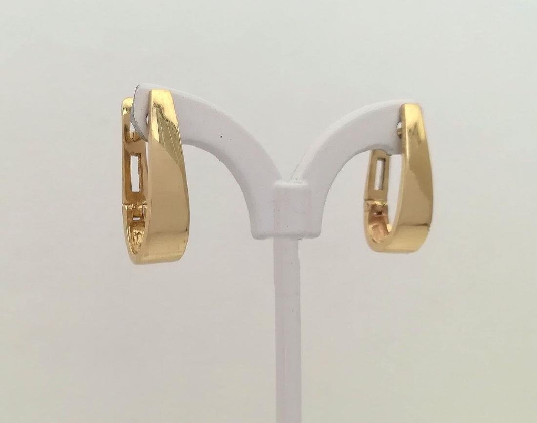 Earrings gold 19.2 carats With 1.7 grams total Purity