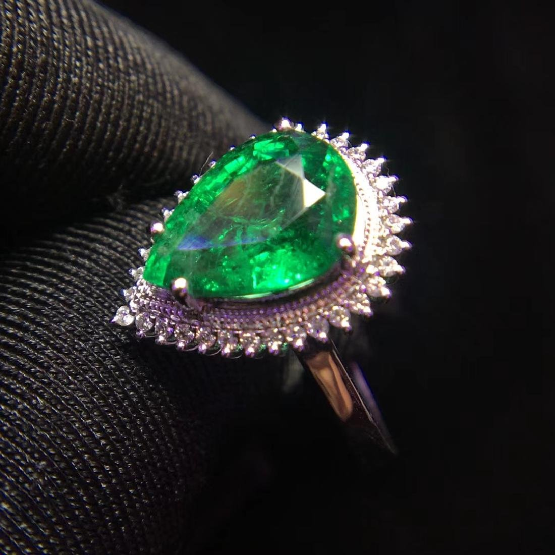 2.97ct Emerald Ring in 18kt White Gold - 4
