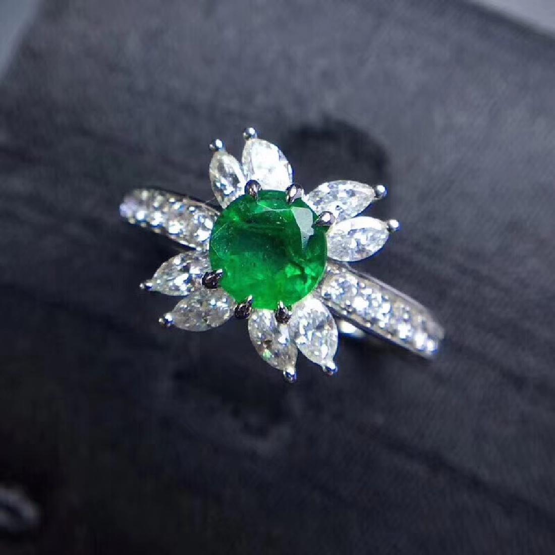 0.8 CTW Emerald & VS Diamond Ring 18K - 2