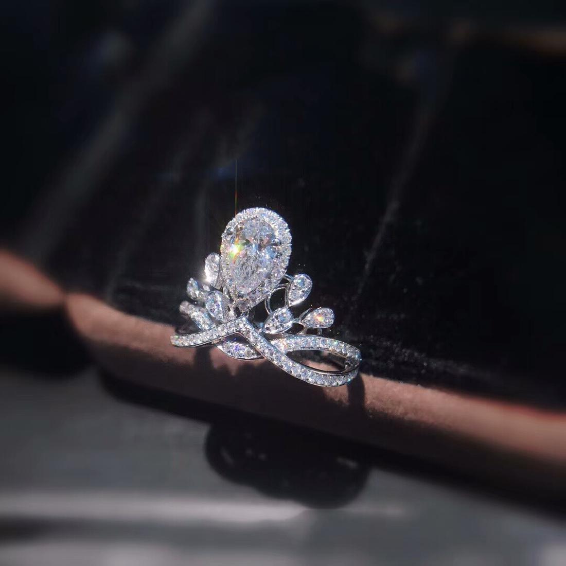 0.58 CTW VS Diamond Ring 18K - 4