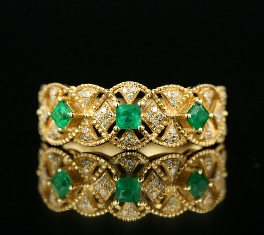Certified-Exquisite 18KT yellow gold ring with Emerald - 2