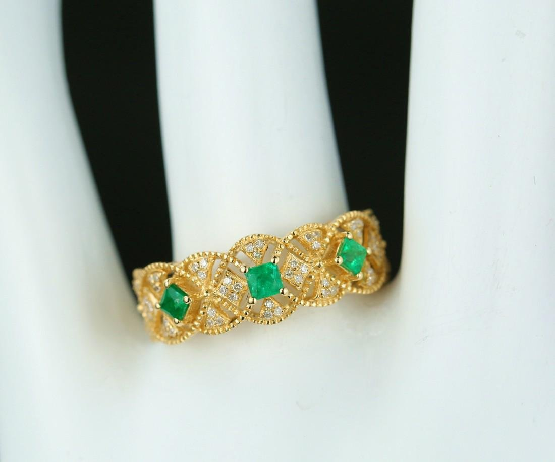 Certified-Exquisite 18KT yellow gold ring with Emerald - 8