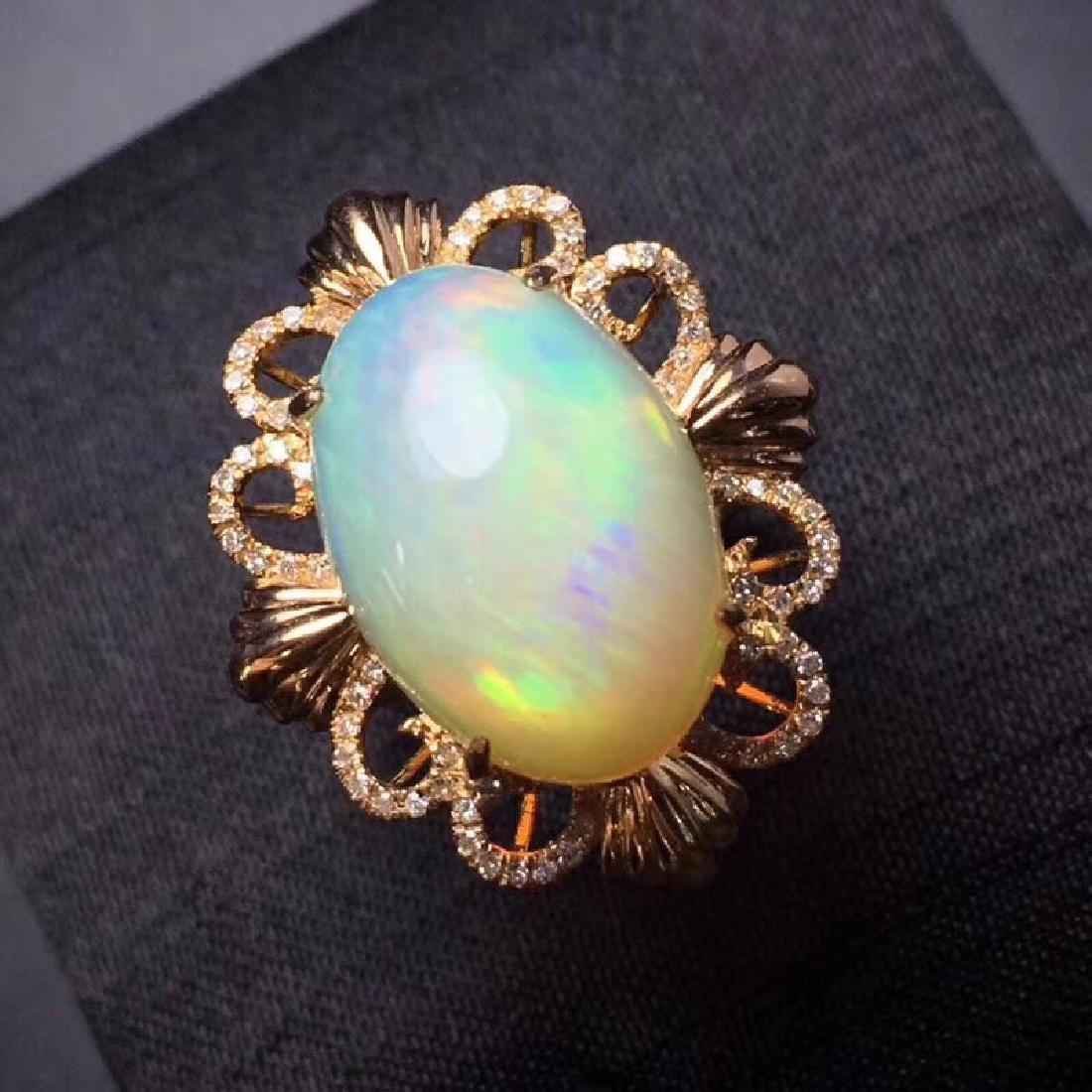 7.7 CTW Opal & VS Diamond Ring 18K - 9