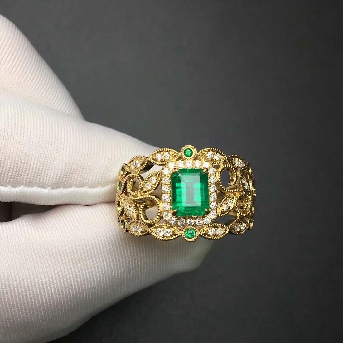1.09 CTW Emerald & VS Diamond Ring 18K