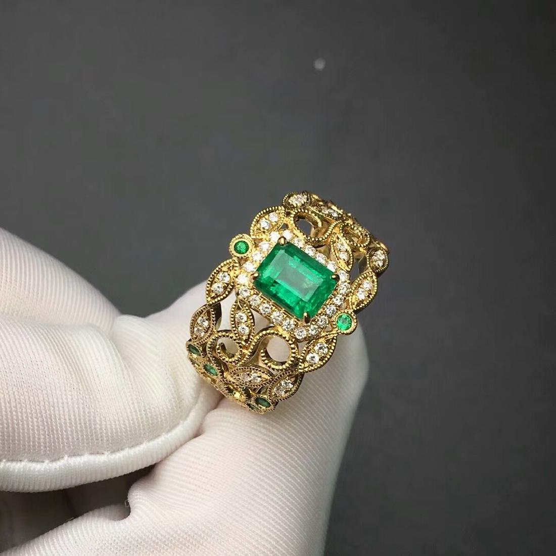 1.09 CTW Emerald & VS Diamond Ring 18K - 3
