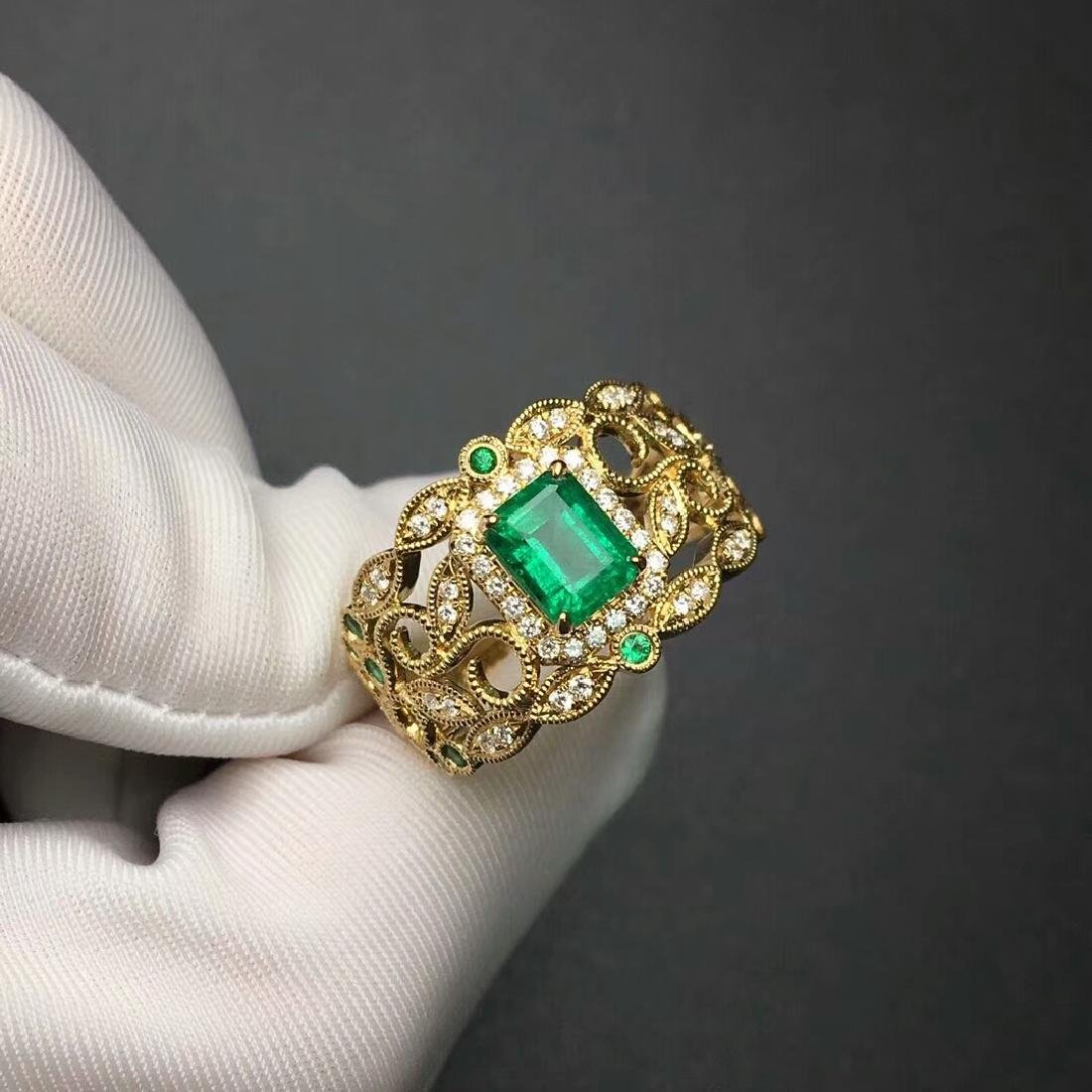 1.09 CTW Emerald & VS Diamond Ring 18K - 5