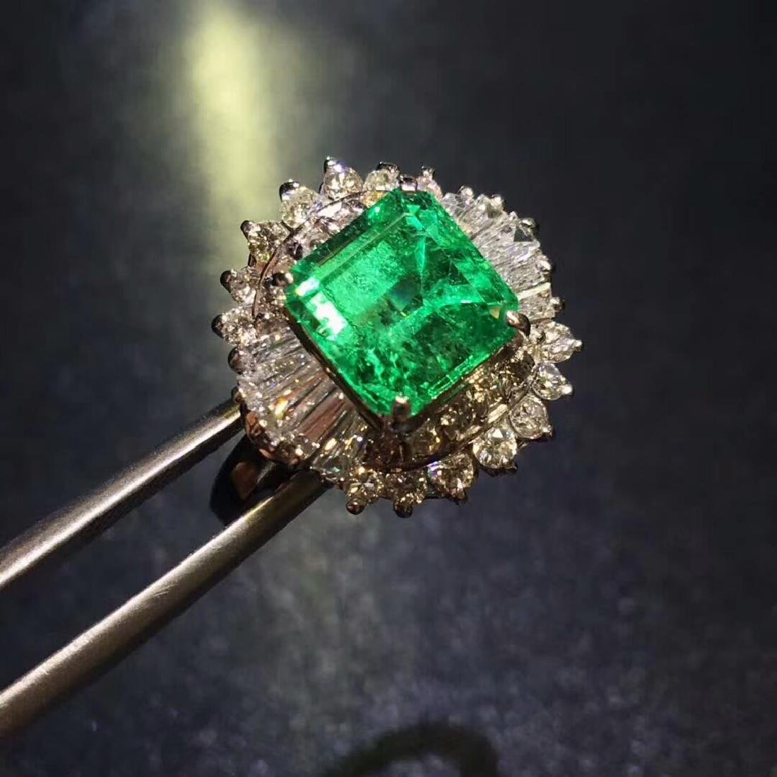 2.01ct Emerald Ring in 18kt White Gold - 4