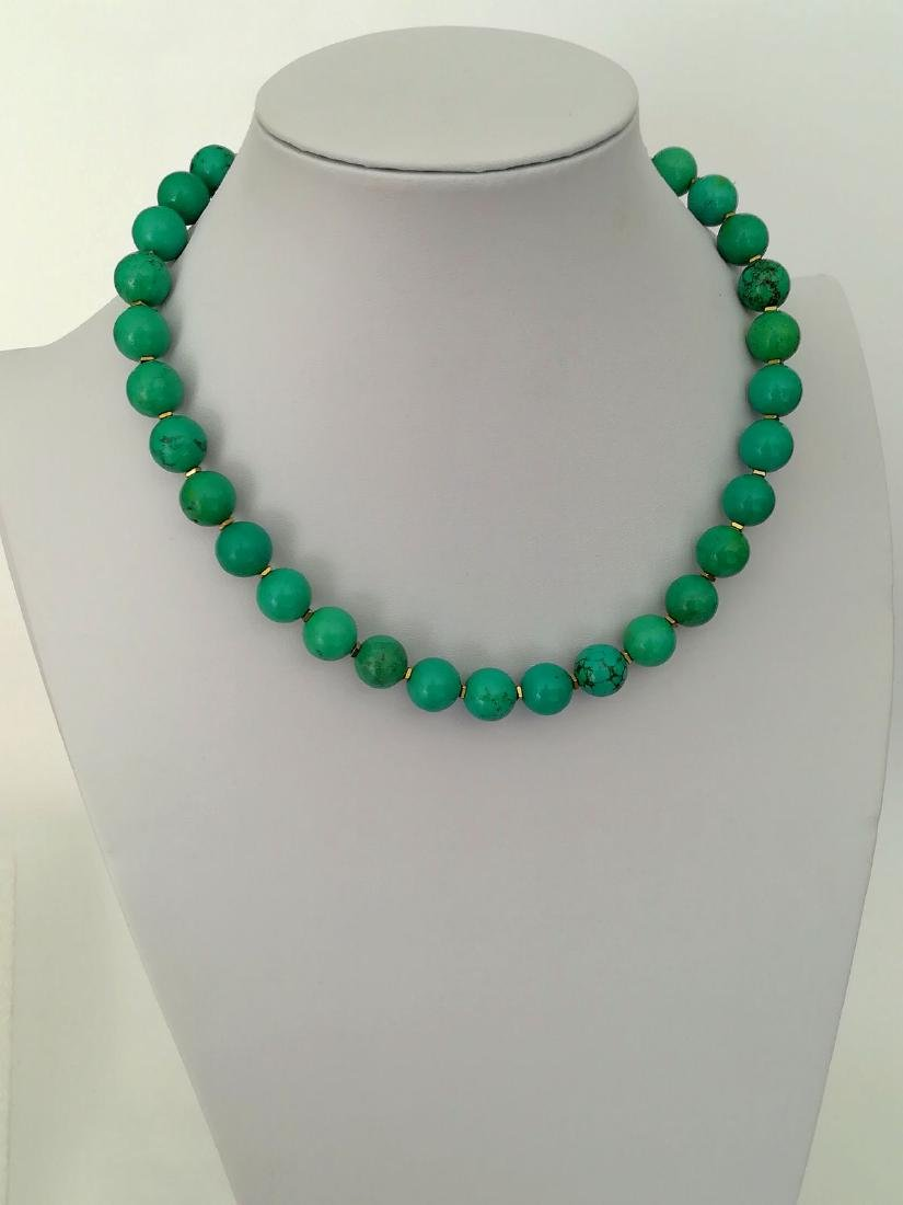 19,2 kt- Turquoise Stone Necklace 12 mm with gold