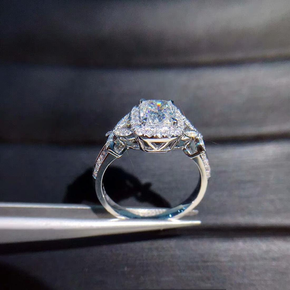 1.02 CTW Diamond Ring 18K - 3