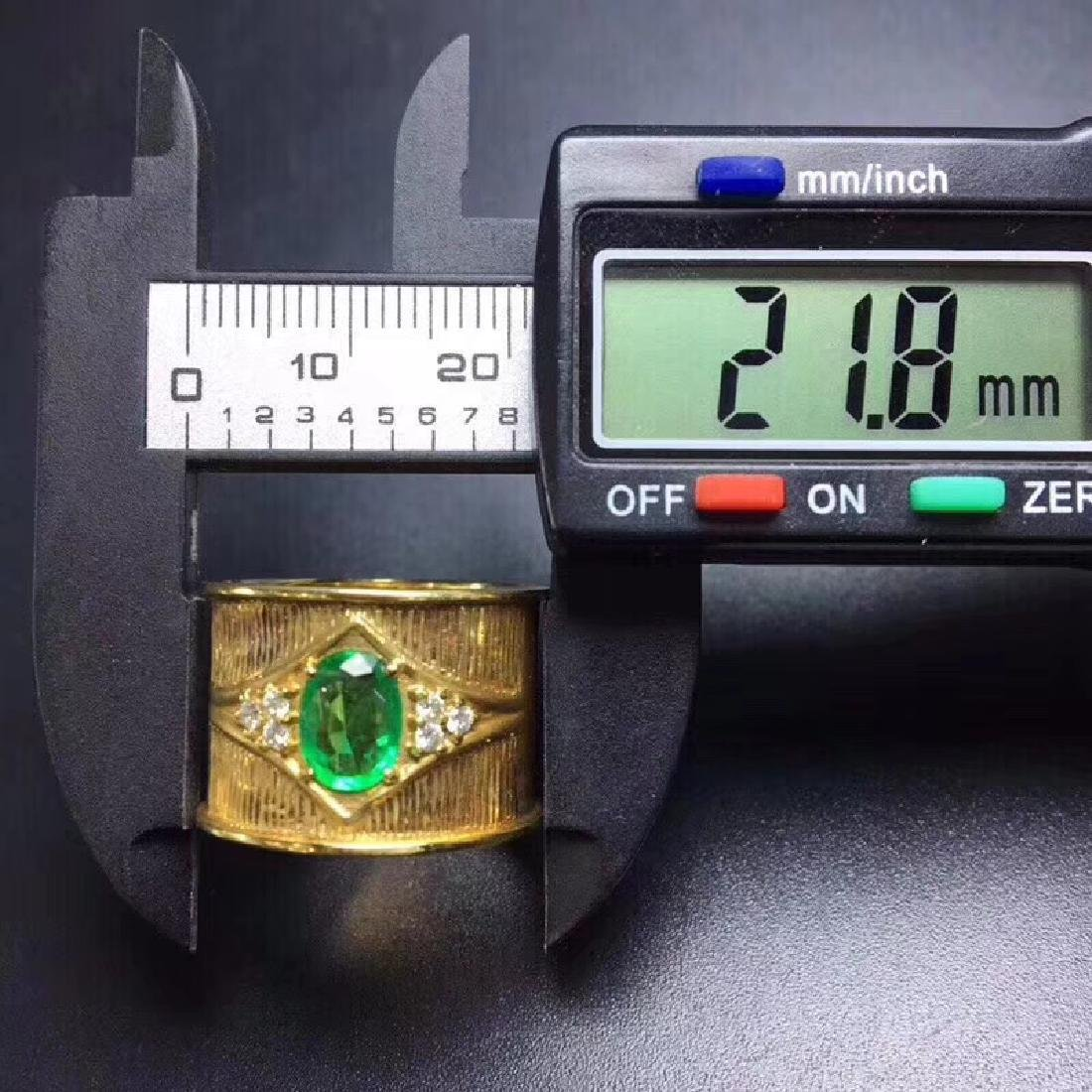 0.9 CTW Emerald & VS Diamond Ring 18K - 3