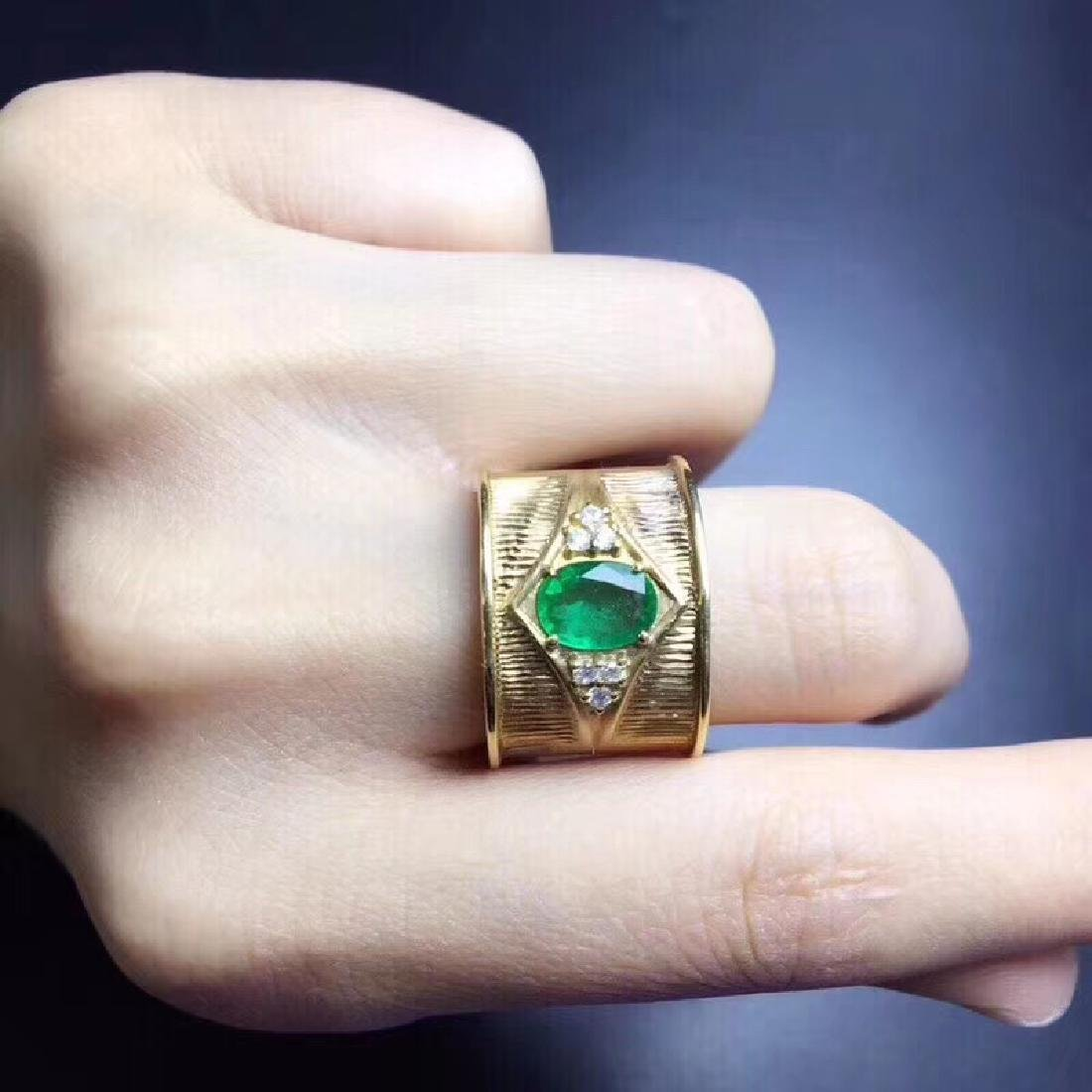 0.9 CTW Emerald & VS Diamond Ring 18K - 5