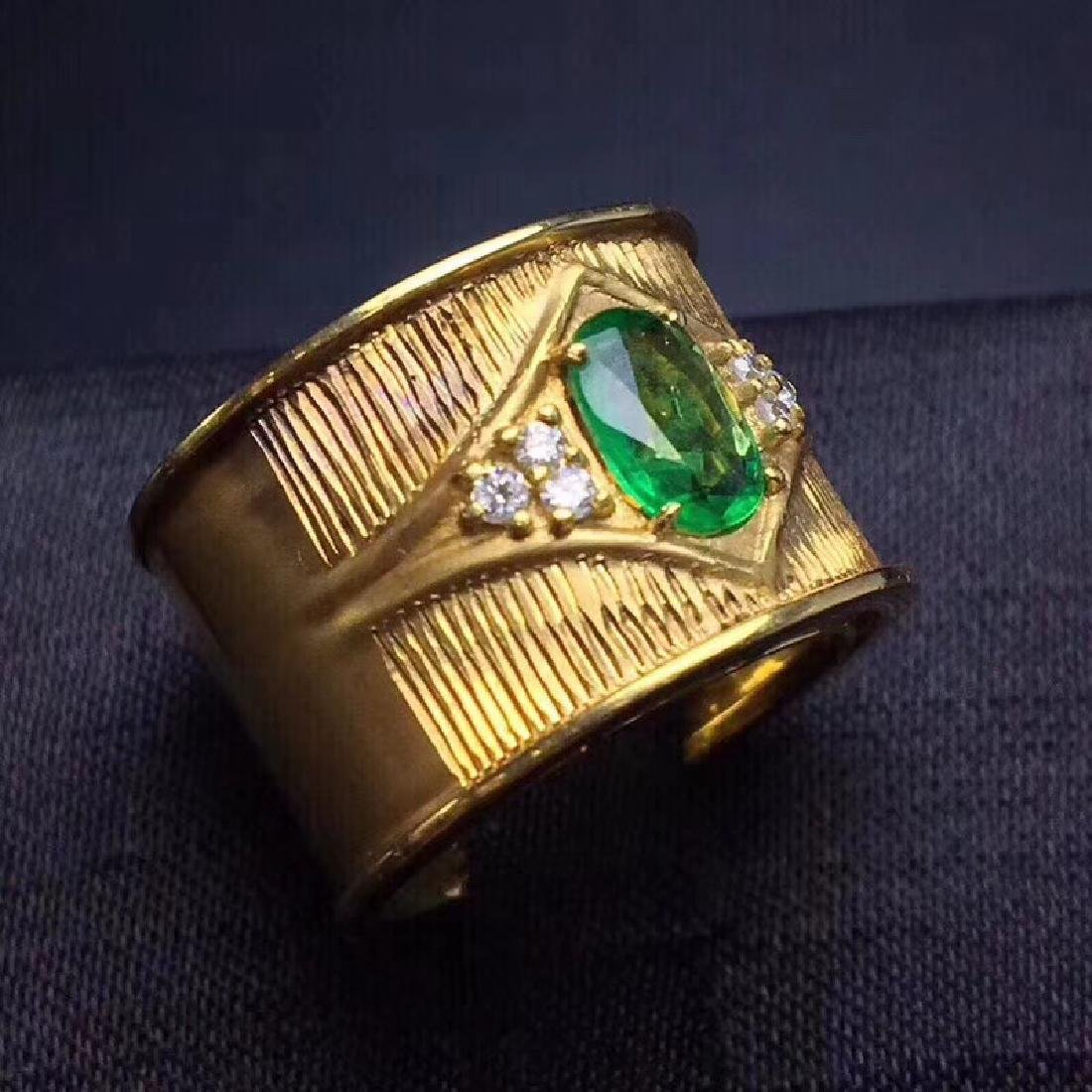 0.9 CTW Emerald & VS Diamond Ring 18K - 7