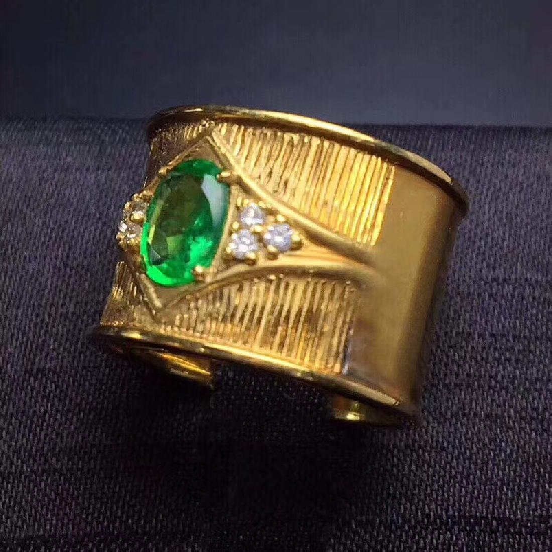 0.9 CTW Emerald & VS Diamond Ring 18K - 8