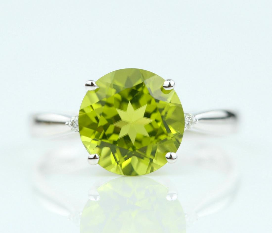 Certified-18K white gold ring with Peridot2.88ct.