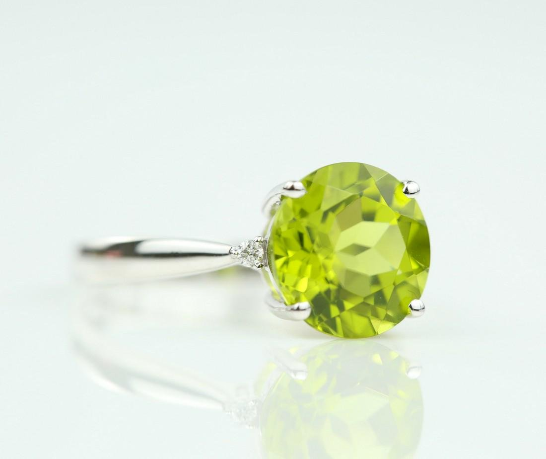 Certified-18K white gold ring with Peridot2.88ct. - 2