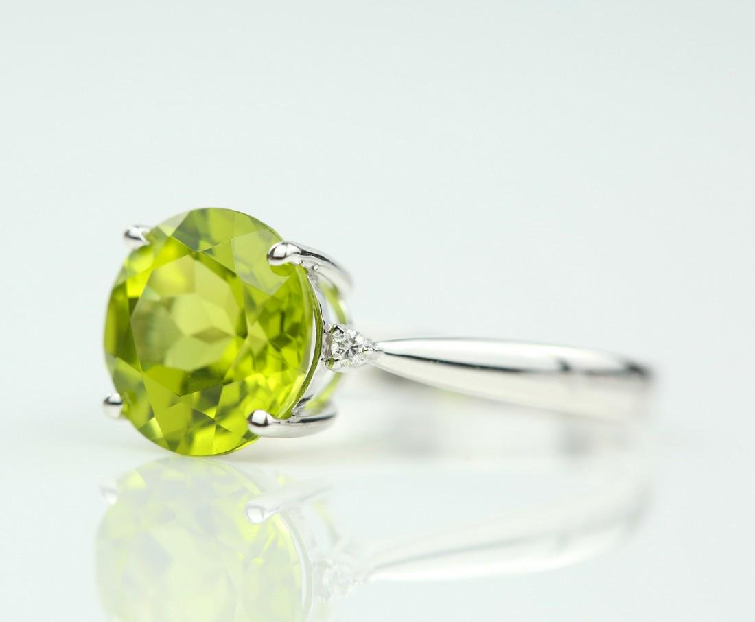 Certified-18K white gold ring with Peridot2.88ct. - 3