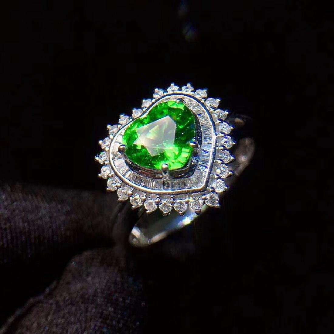 1.01ct Tsavorite Ring in 18kt white Gold - 2