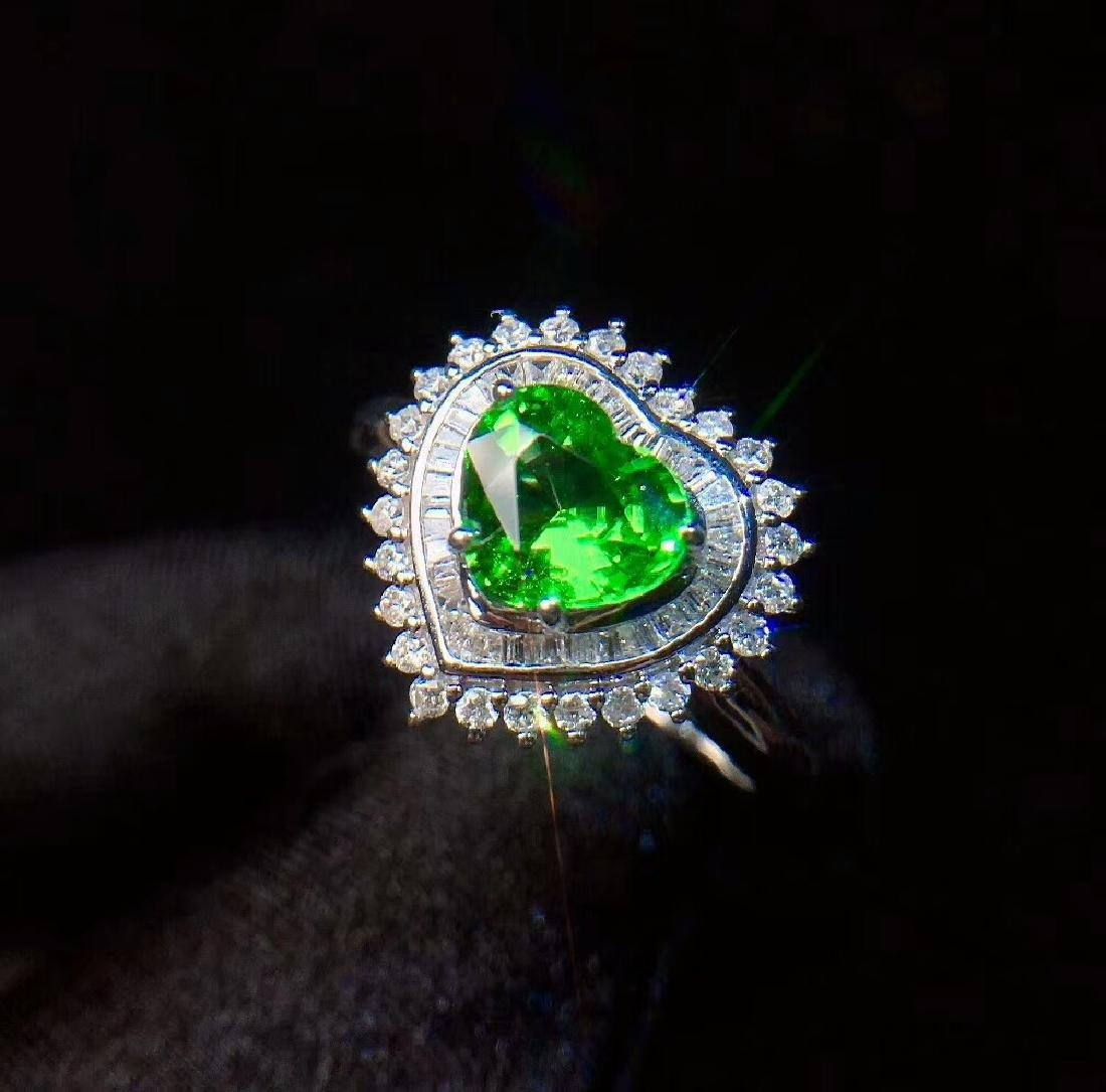 1.01ct Tsavorite Ring in 18kt white Gold - 3